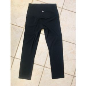 LULULEMON ATHLETICA High Rise Crop Leggings - 4
